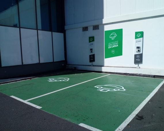 Rotulación de instalación para coches eléctricos