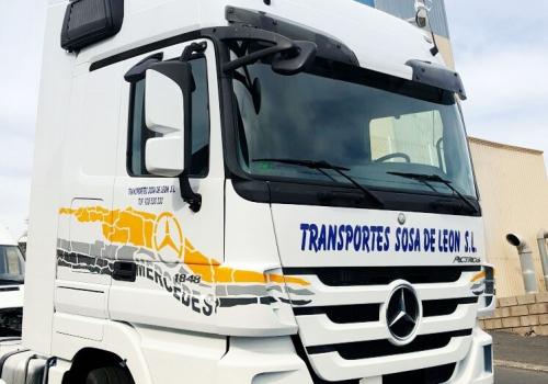 Rotulación cabina de camión